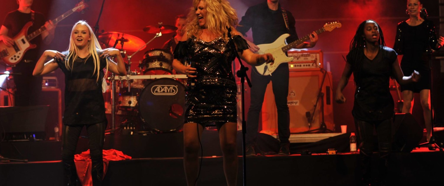 tina-turner-tribute-band-nutbush-gelredome-2009-experience-peter-schnell-19