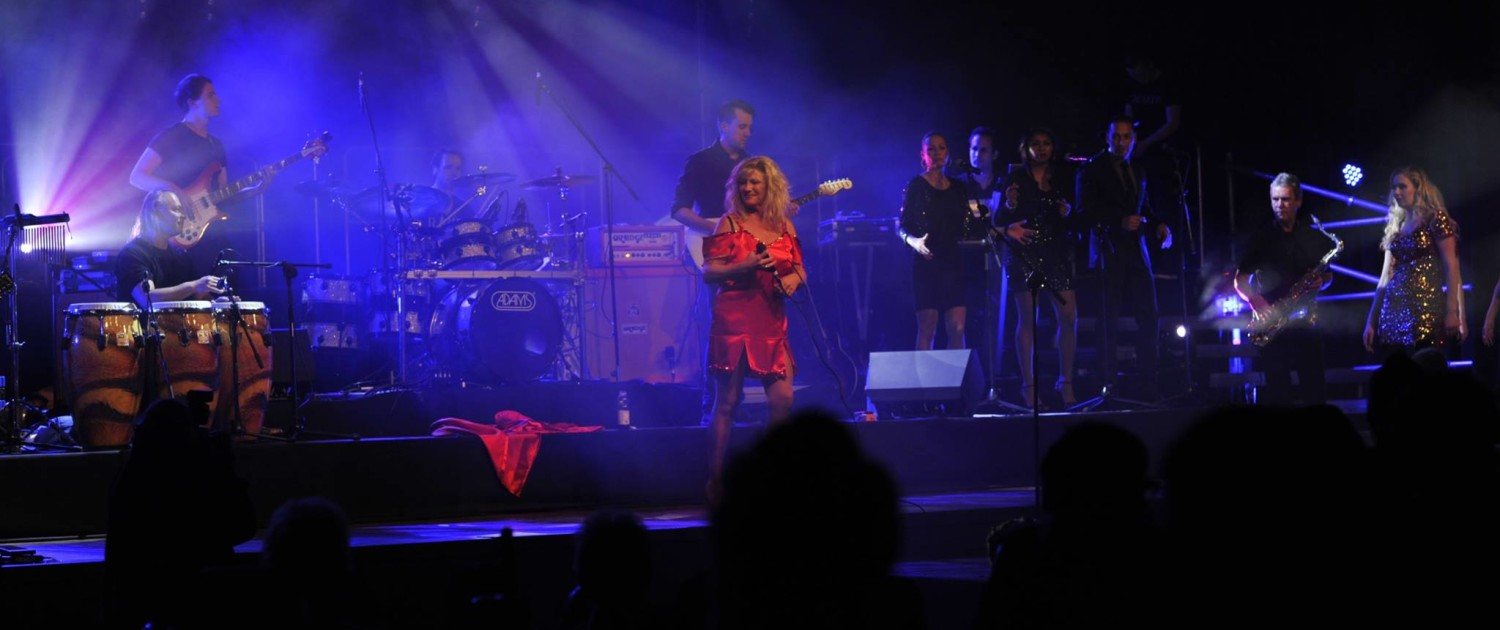 tina-turner-tribute-band-nutbush-gelredome-2009-experience-peter-schnell-7